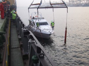 3-Yacht driven into loading belts